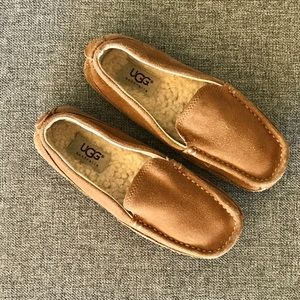 GREAT CONDITION UGG LOAFERS MOCCASINS TAN LEATHER